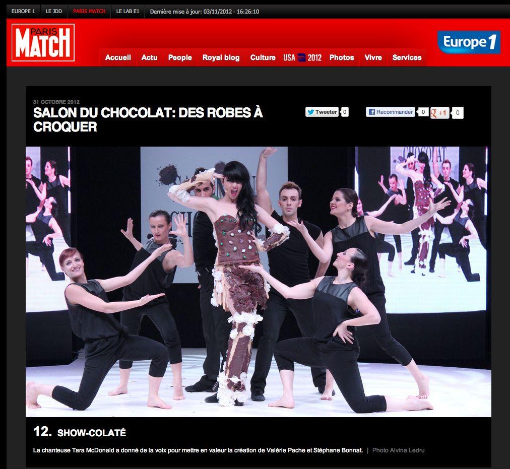 tara-macdonald-robe-valerie-pache-14
