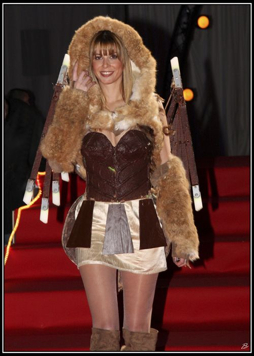 Antinéa la robe en chocolat habillée pour l\'hiver