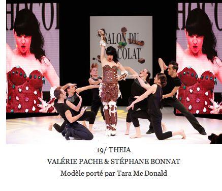 tara-macdonald-robe-valerie-pache-16